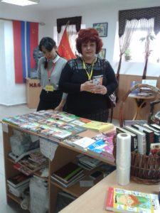 В книжном магазине Раритет прошла экскурсия для учащихся 9 классов эколого-экономического лицея №65.